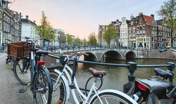 warto odwiedzić holandię