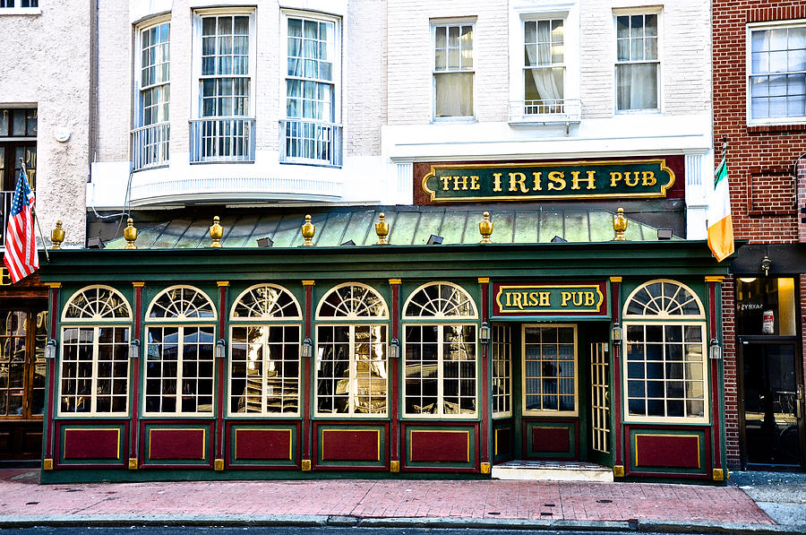 Irish-Bars-in-America