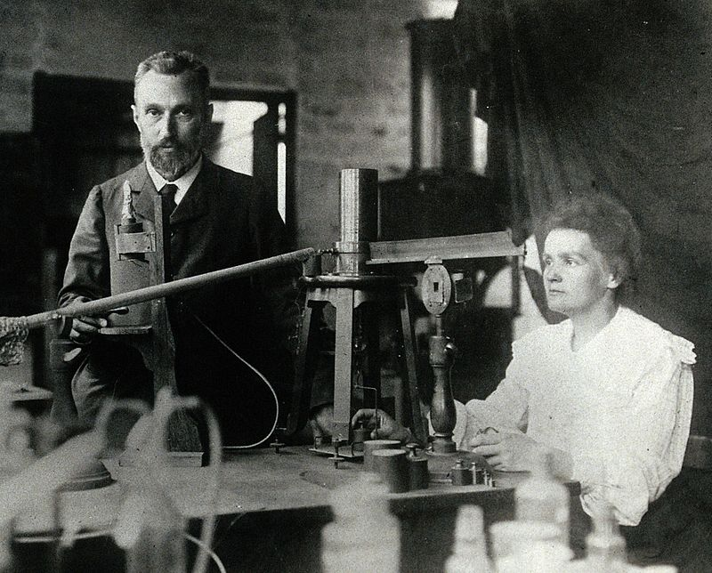 800px-Pierre_and_Marie_Curie