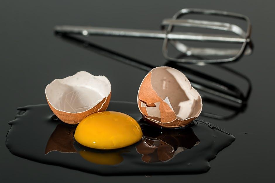 egg-eggshell-broken-yolk