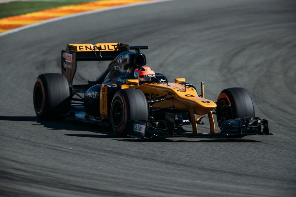 Robert-Kubica-na-torze-Formuły-1-w-Walencji-1