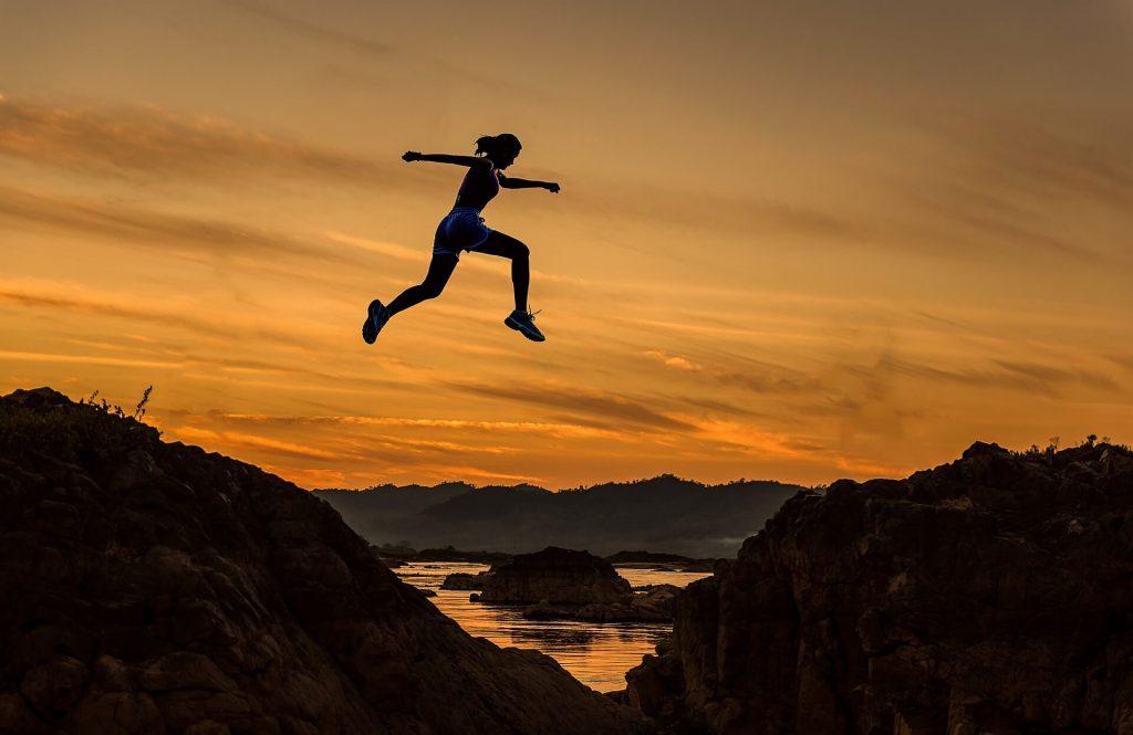 skok, odwaga, zachód słońca